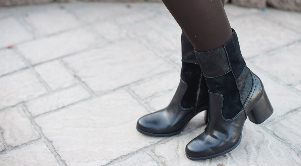 A 12/8 - Black Born Boot