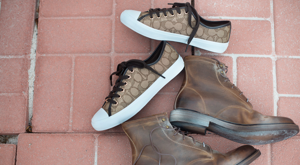 A 1/18 - COACH Logo Sneakers And Frye Boots