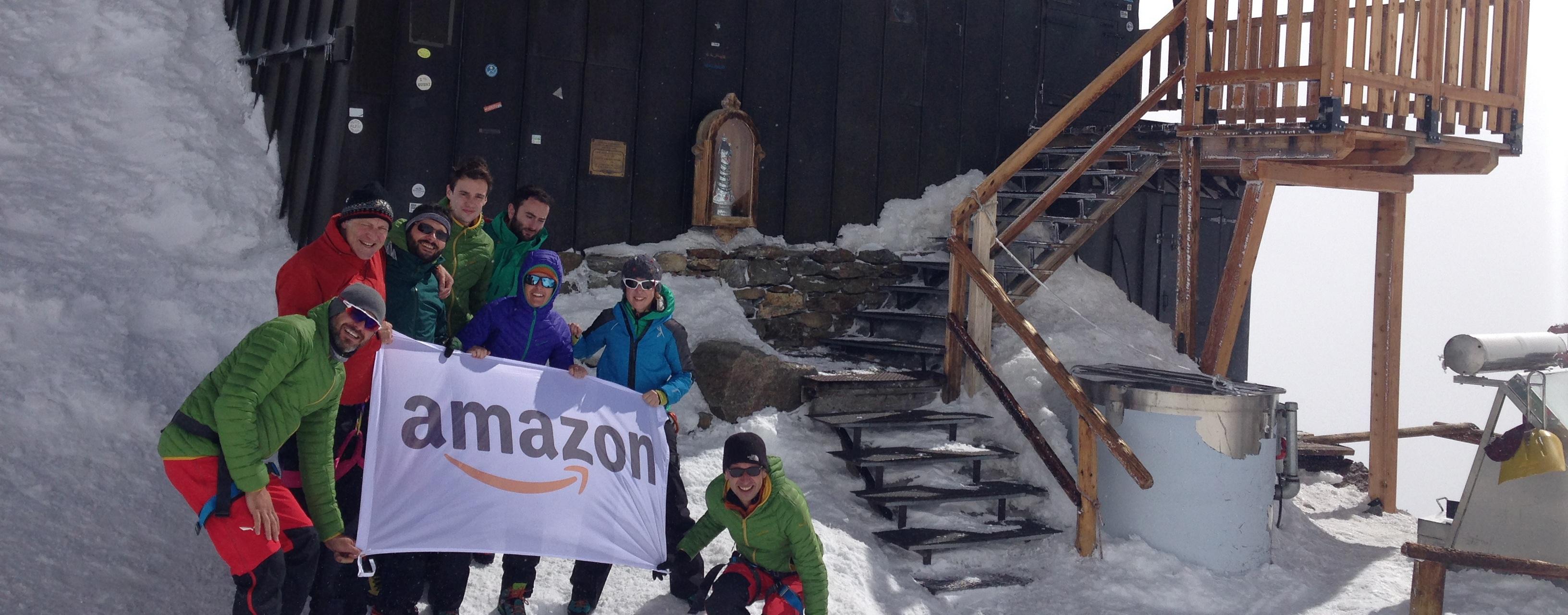 In Amazon, diamo un contributo alle comunità dove vivono i nostri dipendenti e clienti. I nostri contributi sono visibili sotto molti aspetti, e questi sono solo alcuni dei nostri sforzi per ricambiare il supporto ricevuto dalle comunità locali.