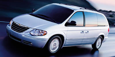 2005 Chrysler Town & Country:Main Image