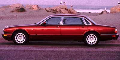 Charming 1998 Jaguar XJ8
