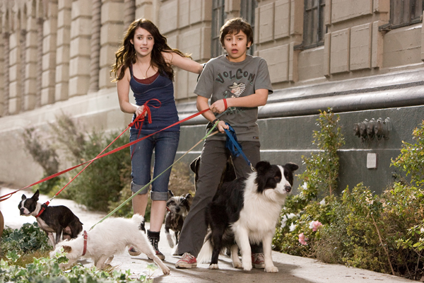 Amazon.com: Hotel for Dogs (Widescreen Edition): Emma Roberts, Jake T