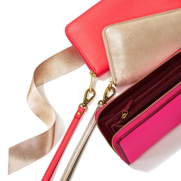 Chic zip clutch