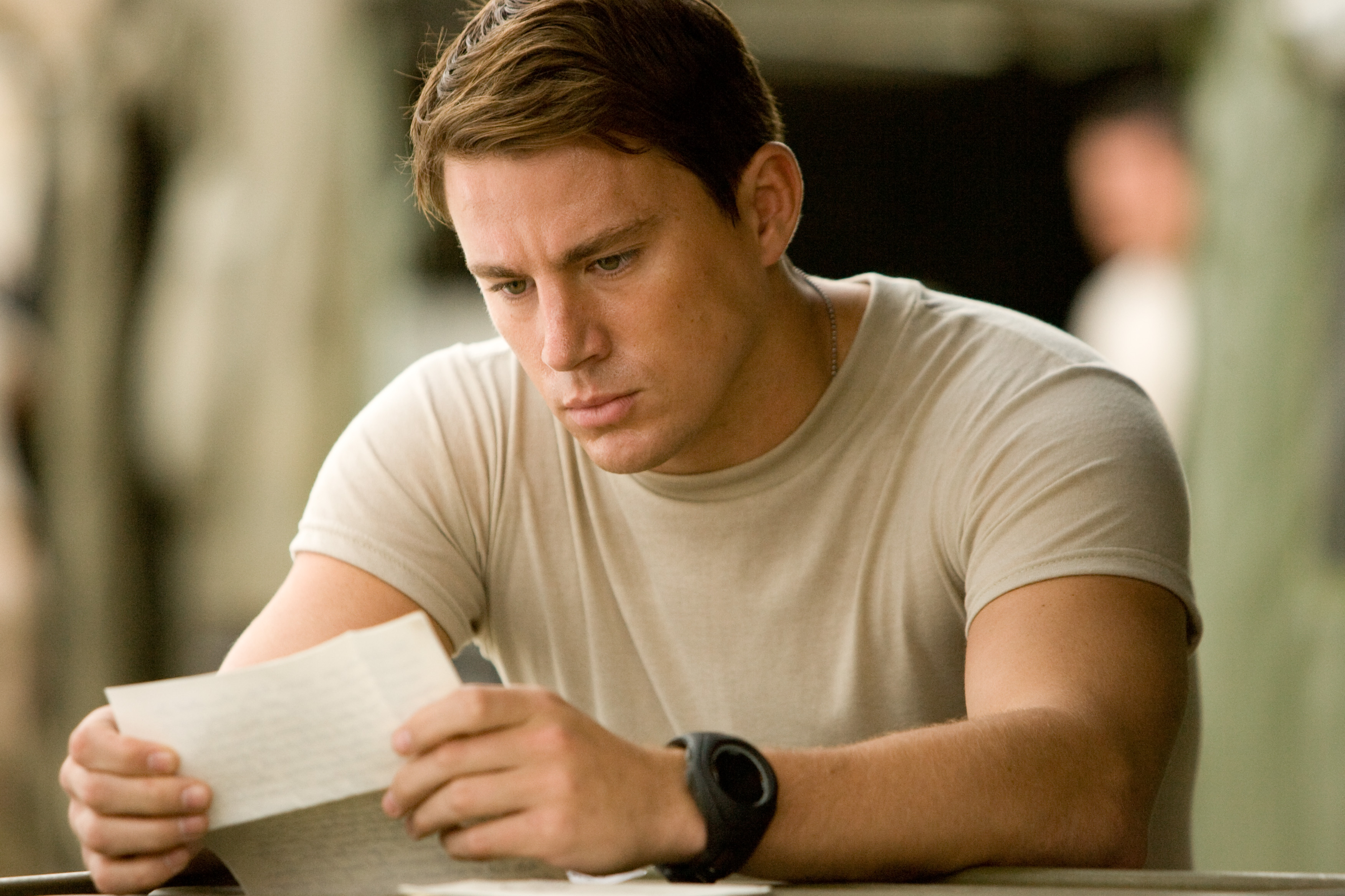 Go Behind the Scenes of the Motion Picture Dear John (Sony Pictures