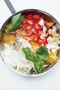Linguine with Tomato and Basil