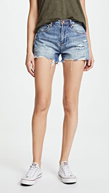 Parker Cut Off Short. - size 24 (also in 23,25,26,27,28,29,30,31) A Gold E