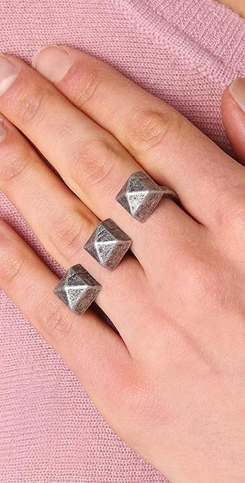 Adia Kibur 3 Studs Double Knuckle Ring