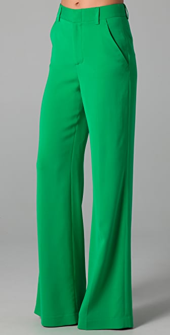 Pants for Women. Abercrombie & Fitch pants for women are comprised of both modern and classic designs. Using the very best fabrics available, our clothing continues to hold its shape, size, and texture for years to come.