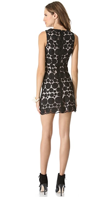 alice + olivia Sleeveless Shift Dress