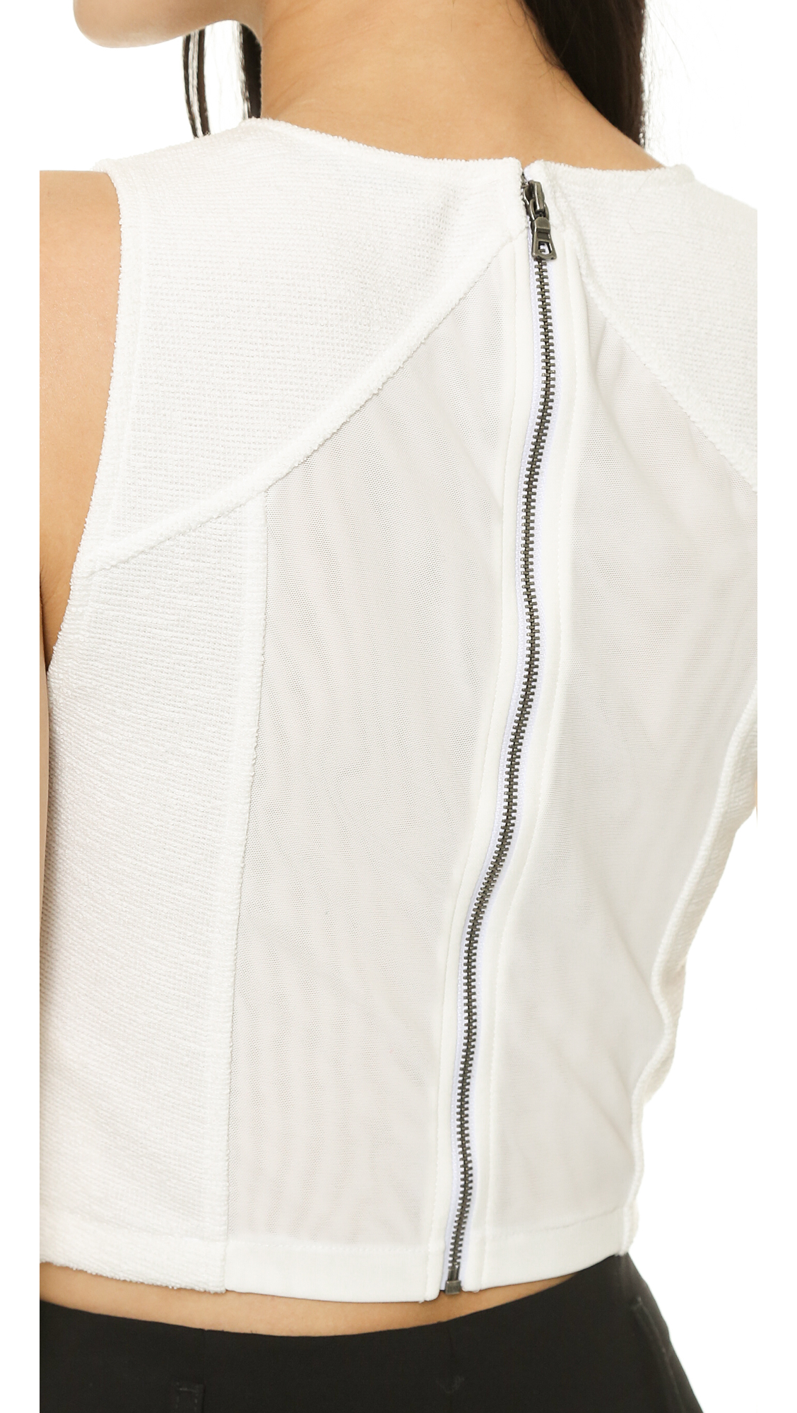 9e4eab86d6580 alice + olivia Pire Sleeveless Fitted Crop Top