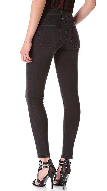 A.N.D. Flynn 250 Wears Skinny Jeans