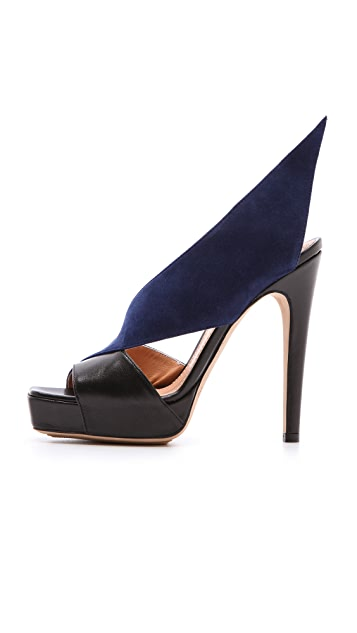 Aperlai Wing Heel Pumps