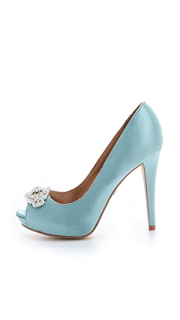 Badgley Mischka Goodie Pumps