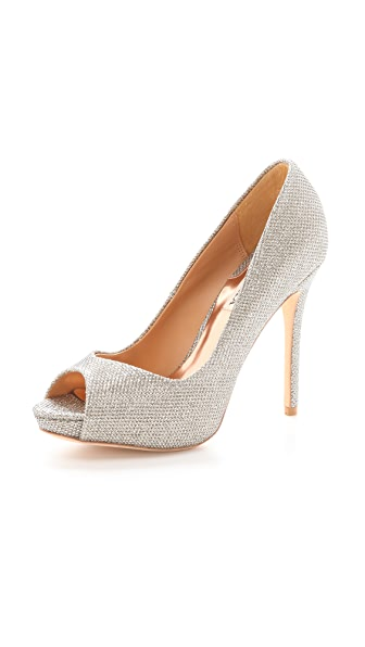 Badgley Mischka Kassidy II Pumps