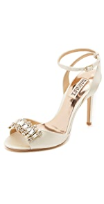 Amanda Sandals                Badgley Mischka