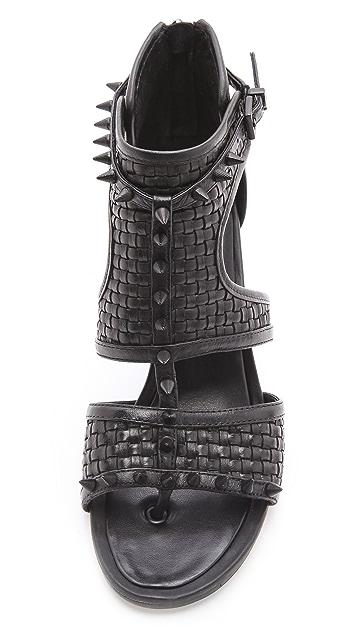 BCBGMAXAZRIA Cira Woven Sandals
