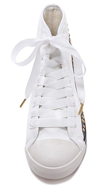 BE & D Hey Stud Sneaker