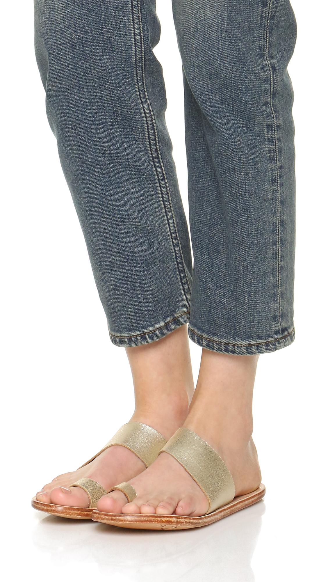 ea95cb3584342b beek Finch Toe Ring Sandals