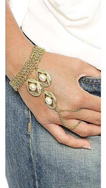 Ben-Amun Triple Imitation Pearl Hand Piece