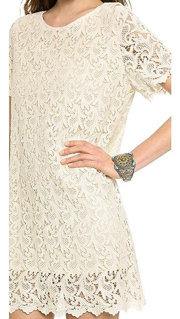 Blaque Label Short Sleeve Lace Dress