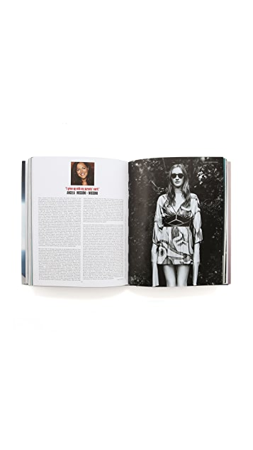 Books with Style Fashion Now