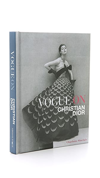 Books with Style «Vogue on Christian Dior»