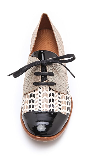 Chie Mihara Shoes Isias Laser Cut Oxfords