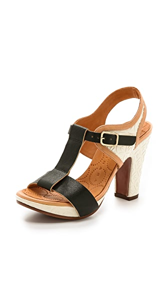 Chie Mihara Shoes Amurri T Strap Sandals