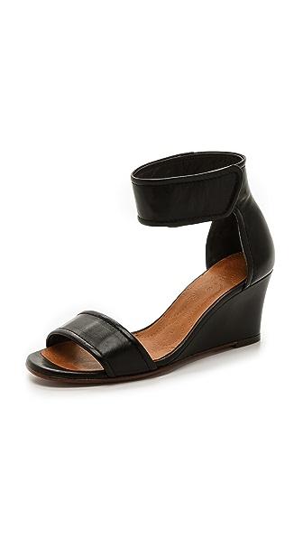 Chie Mihara Shoes Suspiro Wedge Sandals