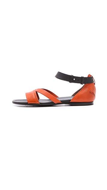 CoSTUME NATIONAL Fiore Flat Sandals