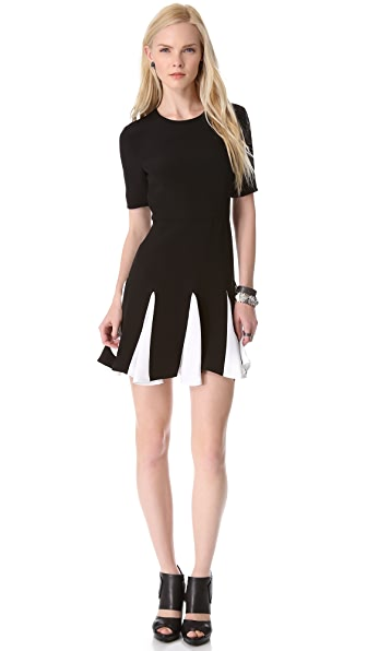 Cushnie et Ochs Short Sleeve Pleated Dress