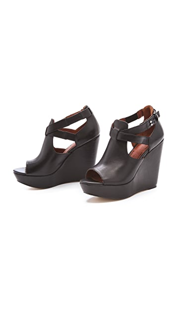 Elizabeth and James Harly Wedge Sandals