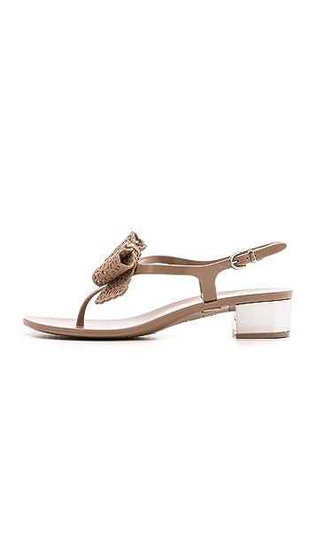 Salvatore Ferragamo Резиновые сандалии Perala на низком каблуке