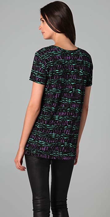 FASHION'S NIGHT OUT Fashion's Night Out Printed Short Sleeve Tee