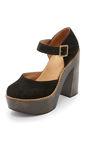FREEBIRD by Steven Poppy Platform Pumps