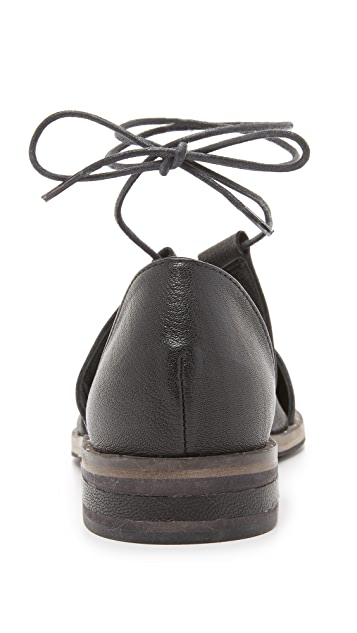 Freda Salvador Lace Ghillie d'Orsay Oxfords