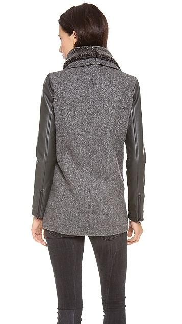 Funktional Atomic Sherpa Jacket