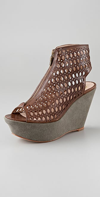 House of Harlow 1960 Fionna Zip Front Platform Booties