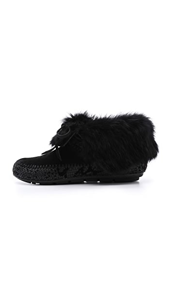House of Harlow 1960 Maddox Fur Lined Booties