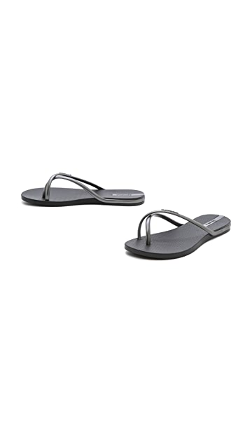 Ipanema Fit Thong Sandals