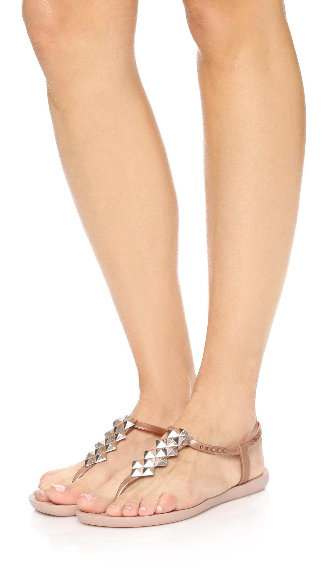 e3bbf5a25e7 Ipanema Cleo Shine T-Strap Sandals