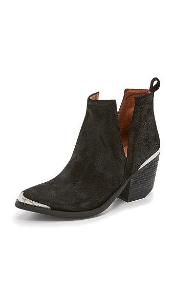 Cromwell Cutout Western Boot in Black