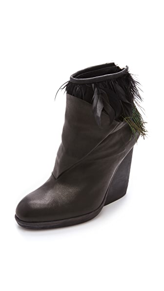 LD Tuttle The Horn Booties