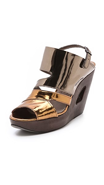 LD Tuttle The Forward Metallic Sandals