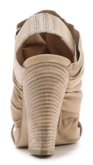 LD Tuttle The Cascade Slingback Sandals