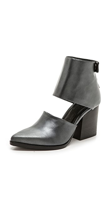 LD Tuttle The Light Ankle Booties