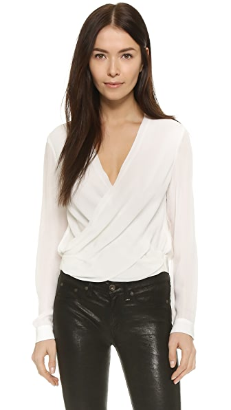 L'AGENCE Gia Snap Back Blouse In Ivory