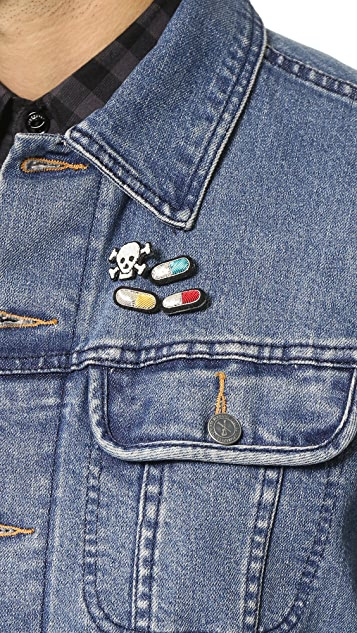 Macon & Lesquoy Pills Pin Set