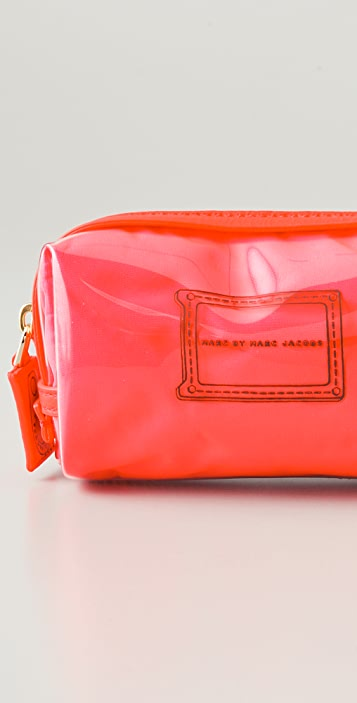 Marc by Marc Jacobs Werdie Clear Solids Cosmetic Case