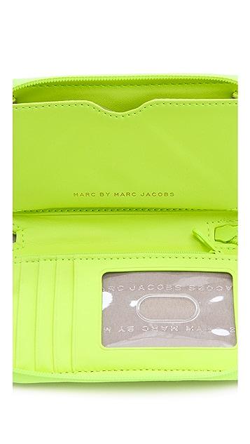 Marc by Marc Jacobs Dreamy Logo Wingman Wristlet